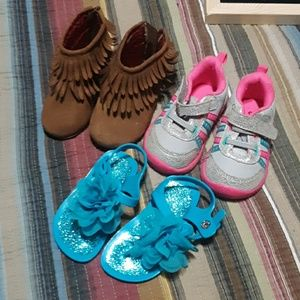 Lot of little girls shoes size 4